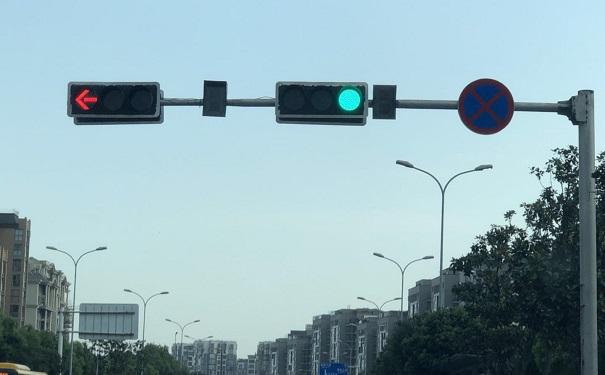 交通信号灯,交通标志牌厂家