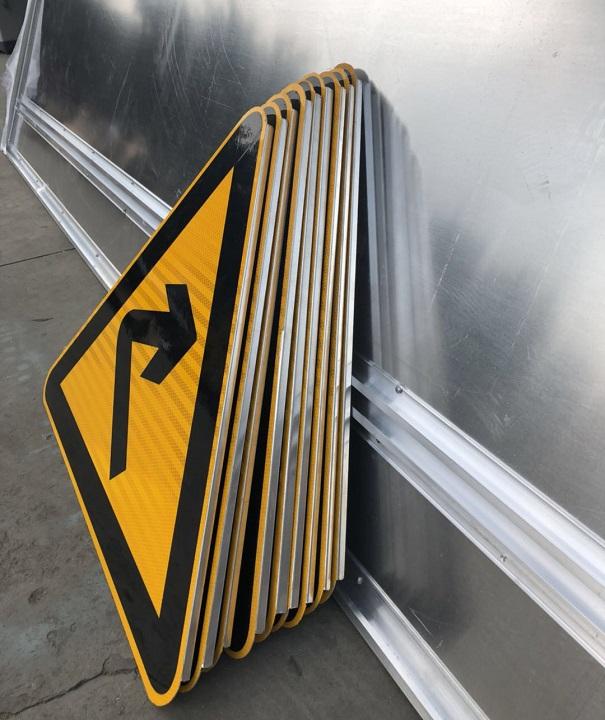 道路标志牌,交通标志牌厂家