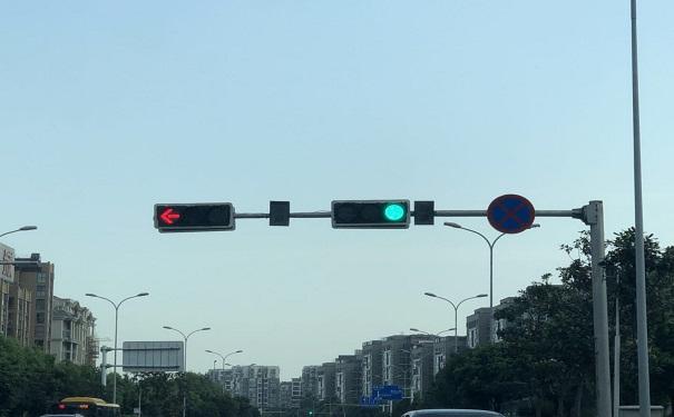 交通信号灯杆,交通标志牌